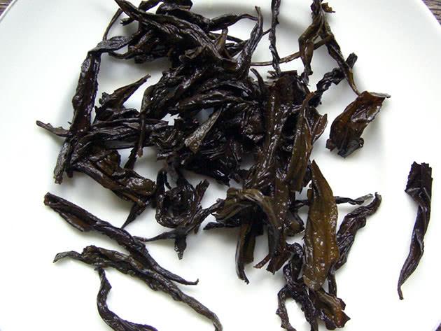Спитой чай – домашнее удобрение