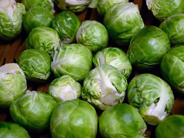 Брюссельская капуста после сбора урожая