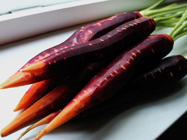 Помаранчево-фіолетова морква
